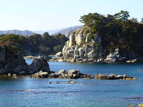 Кымгансамский комплекс, берег японского моря. foto: onekorea.ru