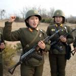 В КНДР митингующие требуют наказать Южную Корею за оскорбление руководства