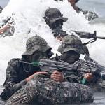 Южная Корея начала военно-морские учения близ спорных островов Такэсима