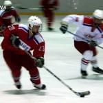 В хоккей играют настоящие мужчины… и женщины