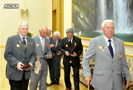 Российские ветераны Корейской войны получили высокие награды КНДР в Пхеньяне. Фото: ЦТАК