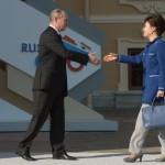 Глава Южной Кореи еще не определилась насчет поездки в Москву на празднование Дня Победы
