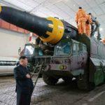 Ким Чен Ын руководил запуском ракеты нового типа