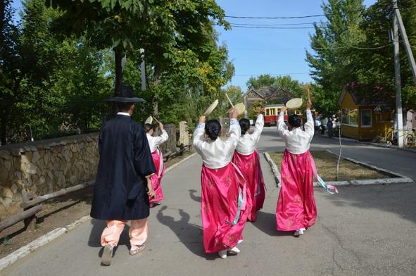 Саратовский ансамбль корейского танца Ясэнхва